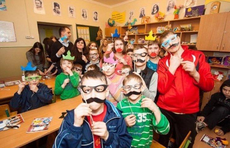 Вінницькі студенти влаштували свято для особливих дітей