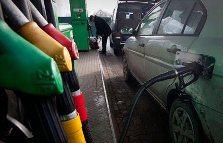 За вихідні в Запоріжжі збільшилися ціни на бензин