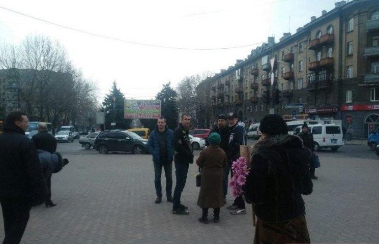 Стало відомо, хто побив комуністів під час мітингу у центрі Миколаєва