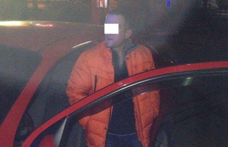 У Миколаєві водій іномарки вчинив ДТП та намагався втекти з місця аварії