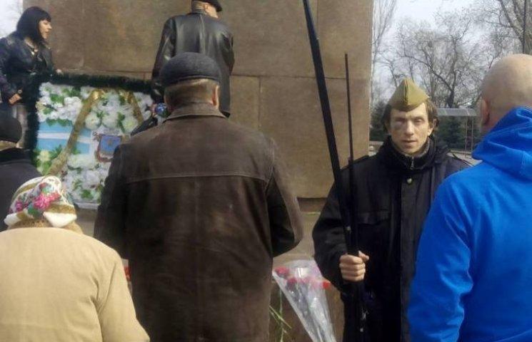 """Після мітингів комуністів у Миколаєві шістьох """"запросили"""" у поліцію"""