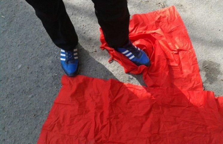 Миколаївські активісти заявили, що на них напав маршрутчик під час сутички з комуністами