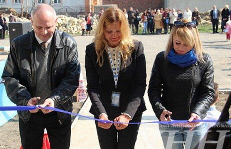В Ямполі відкрили готель для переселенців, відремонтований за кошти Євросоюзу
