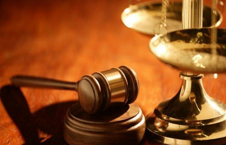 Одеський суддя-хабарник забарикадувався…