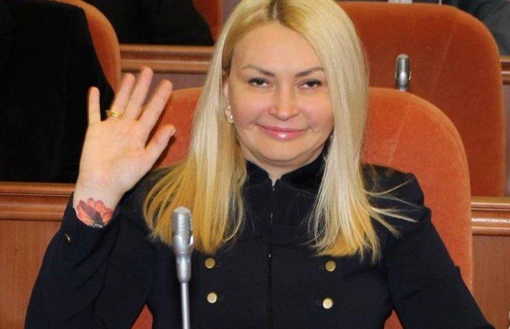 """""""Вілкулівська"""" заступниця Філатова показала кольорове тату"""