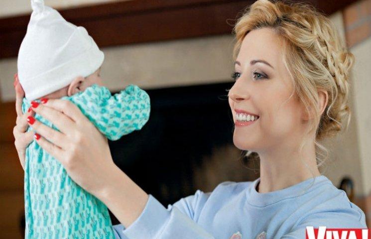 Тоня Матвієнко вперше знялася з новонародженою донькою