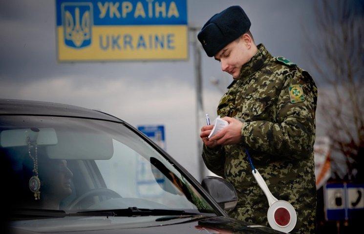 На українсько-польському кордоні назбиралося надто багато машин