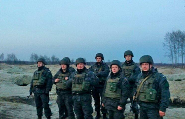 Бурштинові копальні на Житомирщині охоронятимуть Нацгвардійці