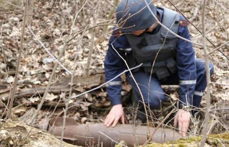 Під Вінницею знайшли метрову авіабомбу