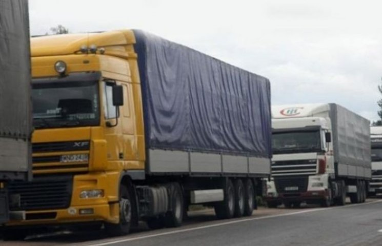 У Новому Бузі після перекриття траси вирішили обмежити рух вантажівок