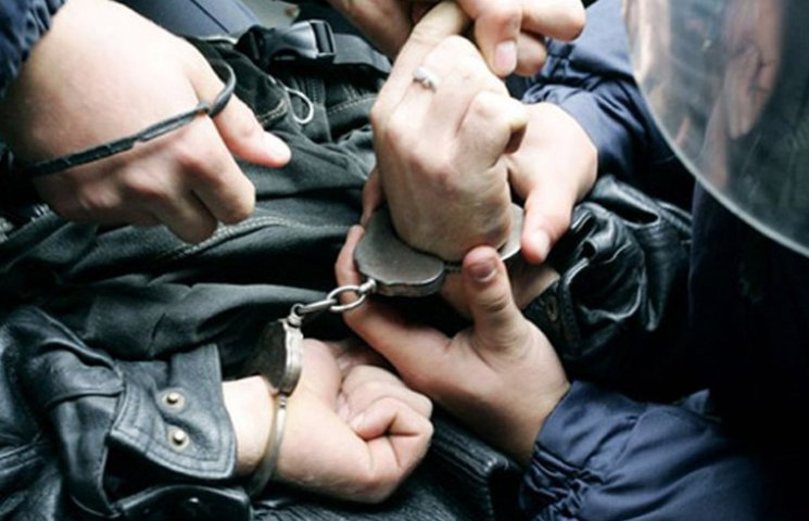 У Запоріжжі затримали озброєного до зубів кримінального авторитета