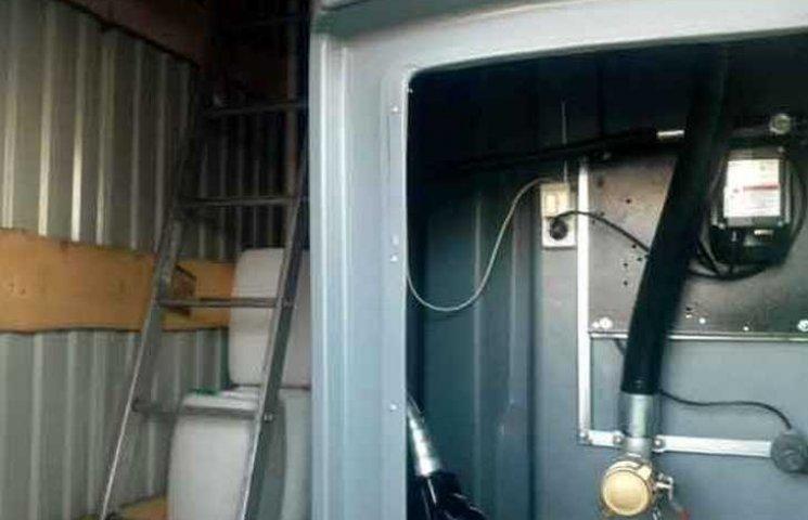 На Вінниччині знайшли нелегальну автозаправку