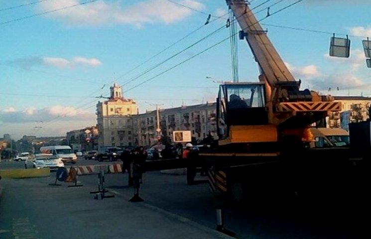 Ремонт моста в центрі Запоріжжя обіцяють закінчити до кінця тижня