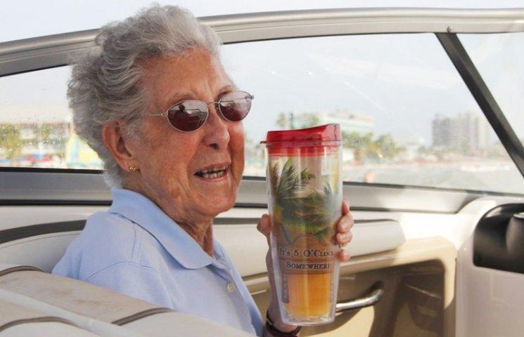 Как 90-летняя бабушка, больная раком, выбрала безумное путешествие вместо лечения
