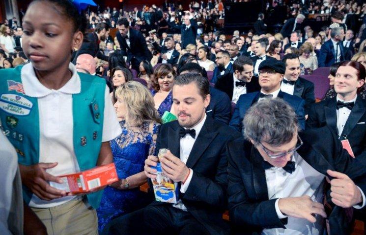 Ди Каприо жестоко потроллили из-за высунутого языка