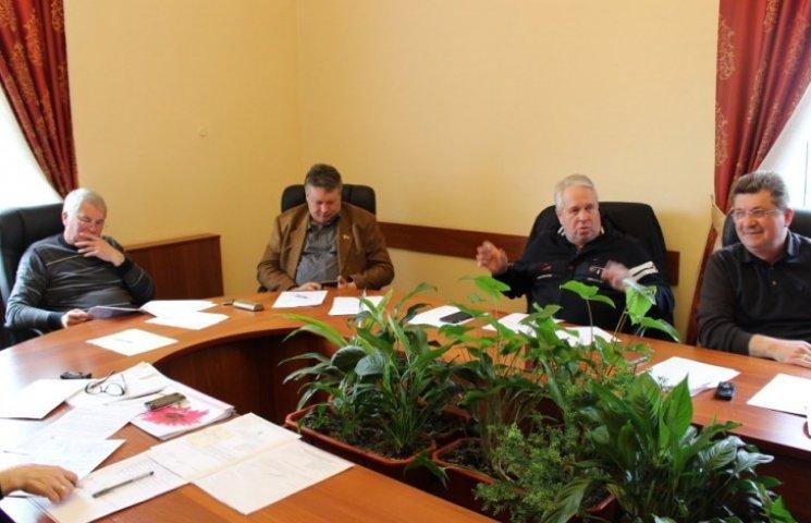 У Миколаєві до віддалених районів хочуть пустити дуобуси