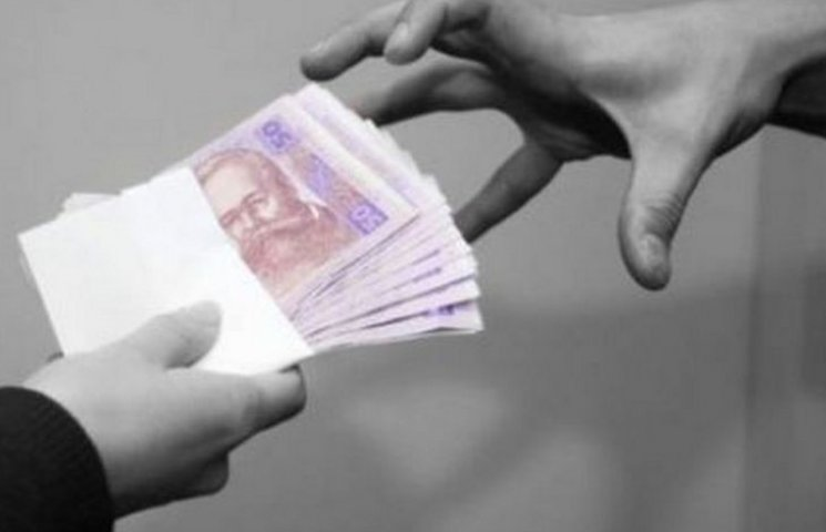 Вінничанка поміняла 10 тис. грн. на фальшиві євро