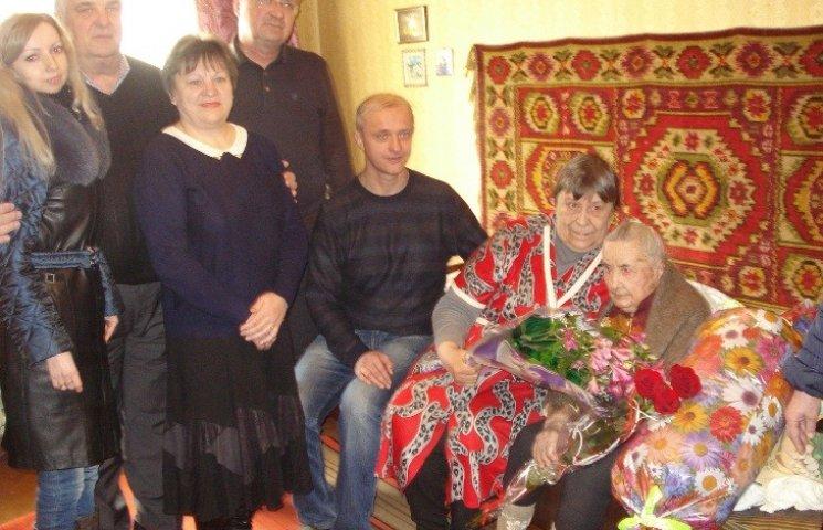 У Миколаєві ветеран Другої світової відзначила столітній юбілей