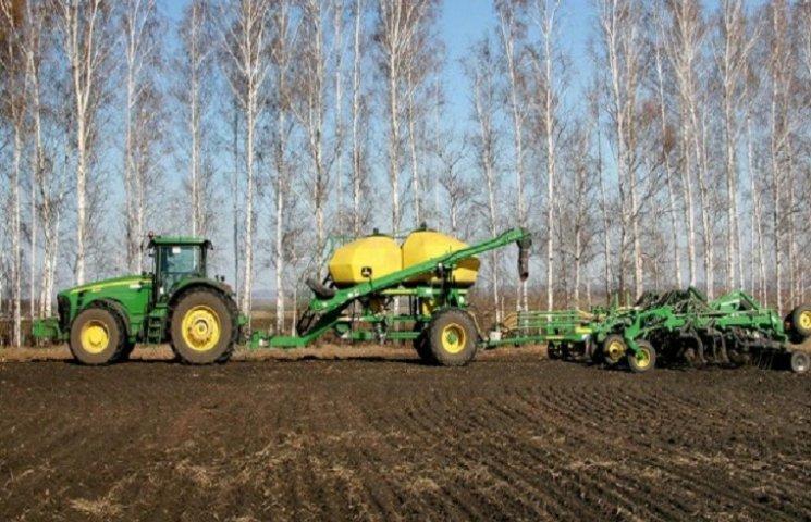 Аграрії Хмельниччини розпочали весняно-польові робіти
