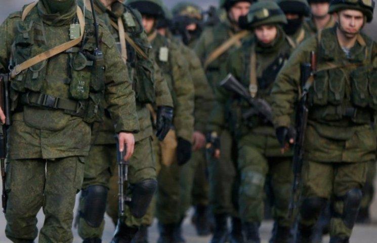 Хроніки окупації Криму: обстріл українського літака і вторгнення в Чонгар