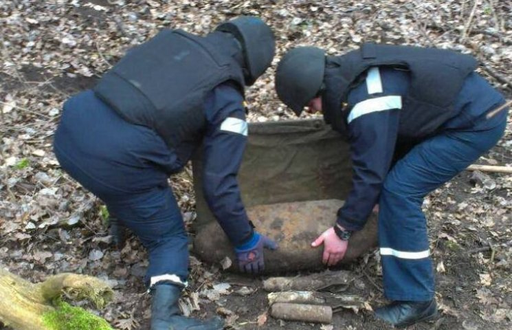 На Хмельниччині знешкодили 100-кілограмову авіабомбу