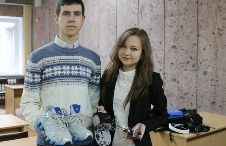 """Вінницькі винахідники сконструювали """"розумне взуття"""""""