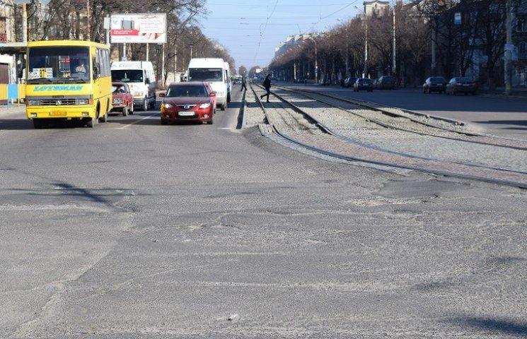 Скандальну фірму змусили переробити ремонт транспортної артерії Дніпропетровська