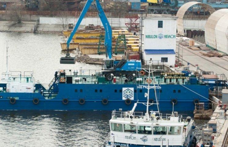 Миколаївський суднобудівний завод закінчив ще один плавучий кран