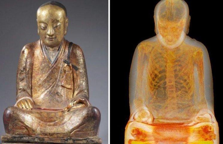 Тисячолітня статуя Будди містить в собі тіло людини