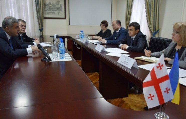 Миколаївщина налагоджує дипломатичні зв