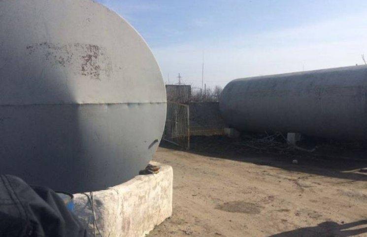 У Миколаєві на нафтобазі виявили 119 тонн контрабандного пального