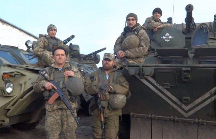 Українські десантники із передової привітали жінок з 8 Березня  (ВІДЕО)