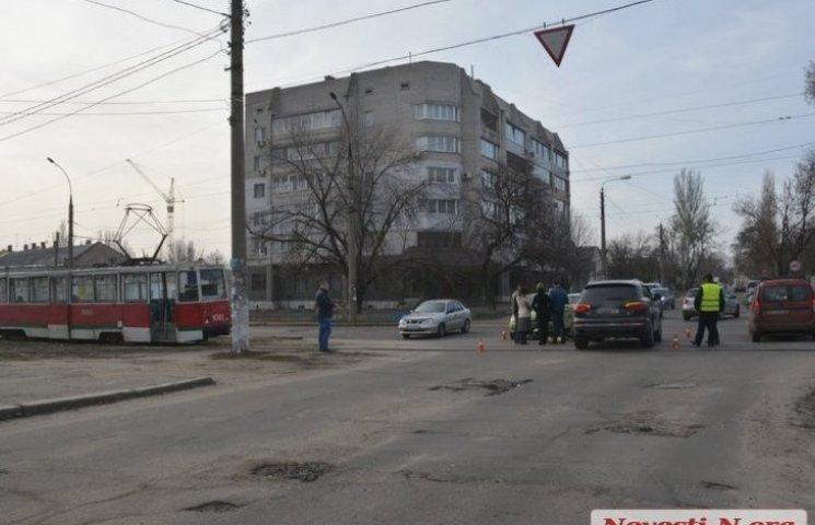 У Миколаєві через ДТП трамвай №6 ходить в один бік