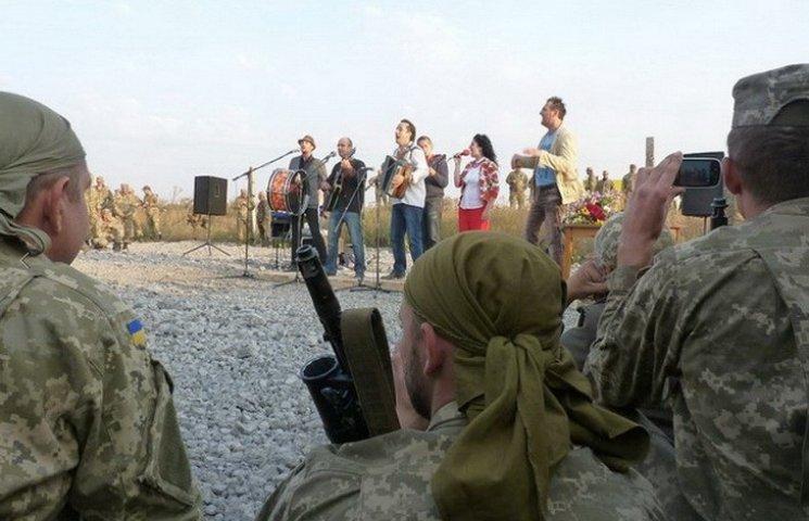 Дніпропетровцям офіційно доручили піклуватися про воїнів 17-ти частин