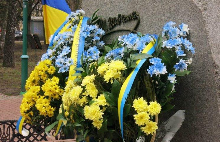 """У Хмельницькому поліція оберігатиме """"шевченківські"""" квіти"""