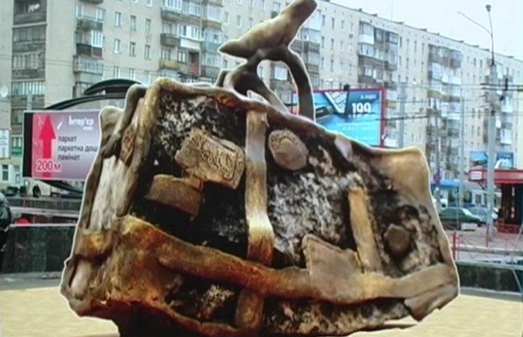 У Хмельницькому скульптори створили пам