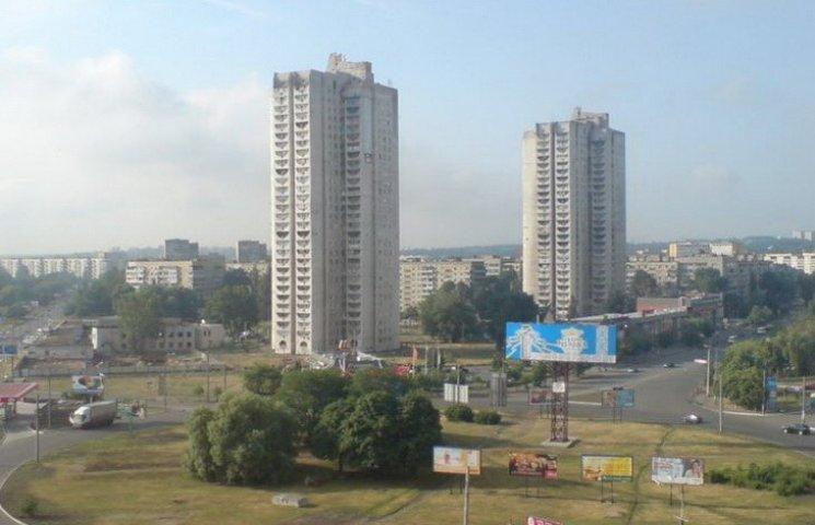 У Дніпропетровську жінка-самогубець впала на перехожу