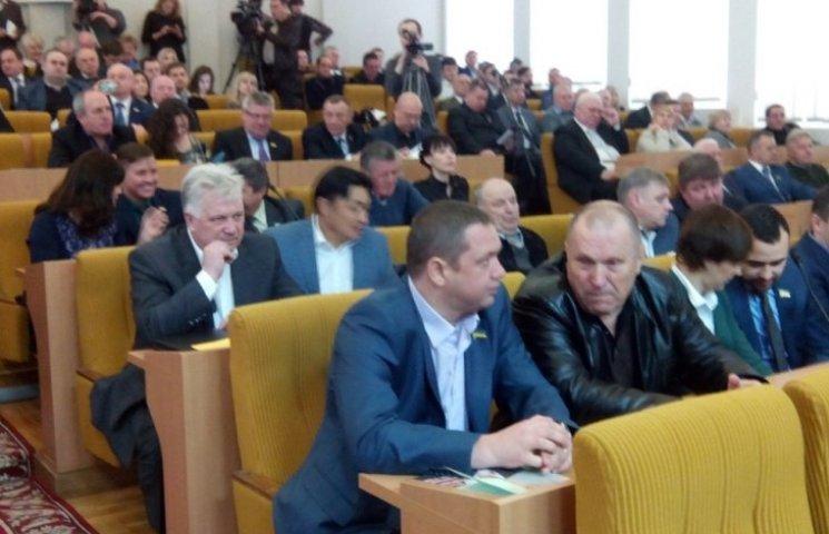 У Миколаєві проходить сесія облради (онлайн репортаж)