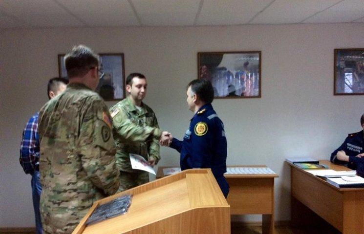 Американські піротехніки завершили курс навчання українських колег, що проходив у Хмельницькому