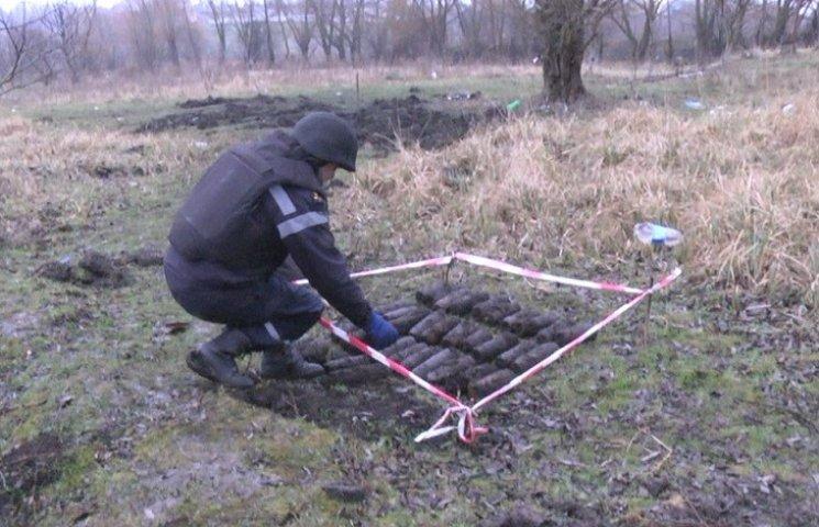 У Хмельницькому піротехніки вилучили 36 артилерійських снарядів