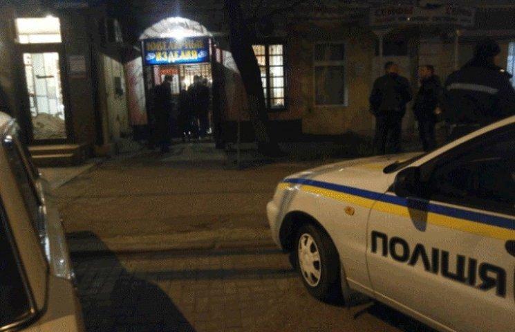 У центрі Миколаєва розбійники в масках пограбували ювелірний магазин
