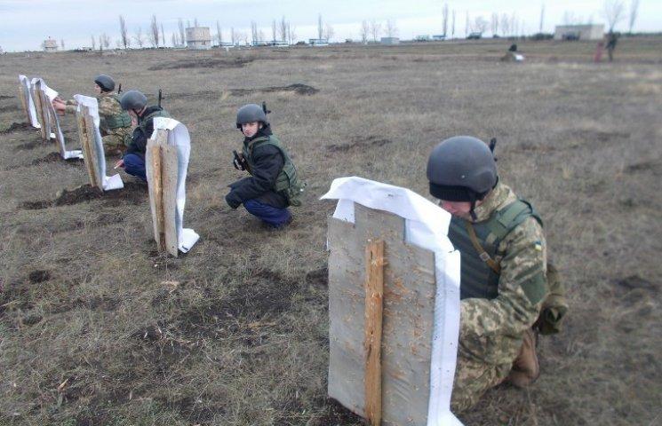 У Миколаєві контрактники 198-го Центру ВМС проходять тактичну та вогневу підготовку