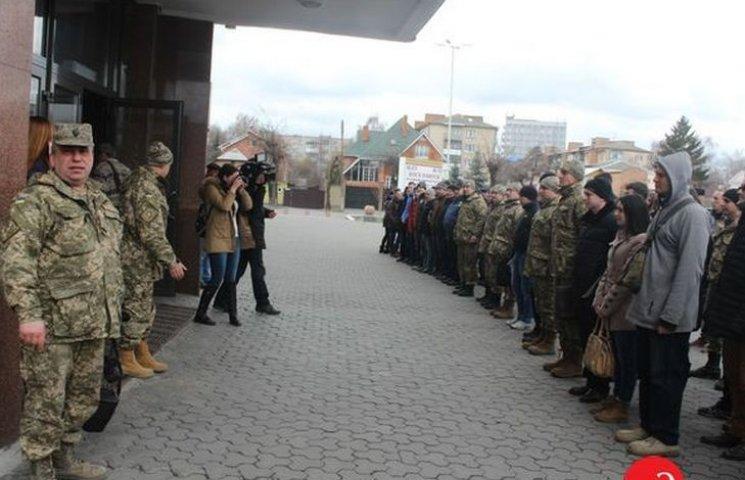 Лави контрактної армії поповнили 20 вінничанок