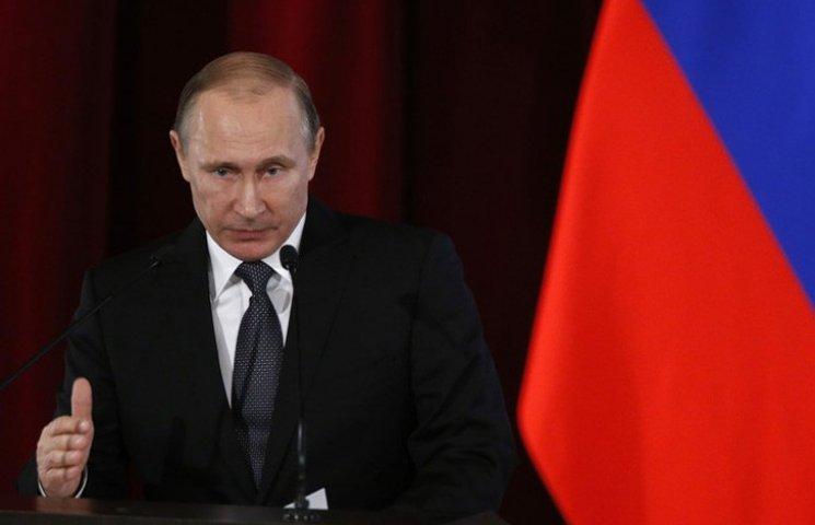Видео дня: Развлечения Путина под столом и пьяные закидоны киевского чиновника