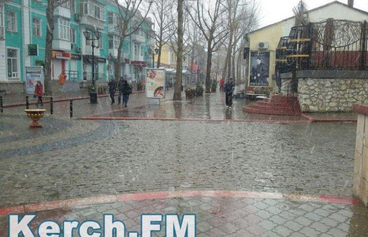Весна в Крыму: Снег, холод и грязные лужи