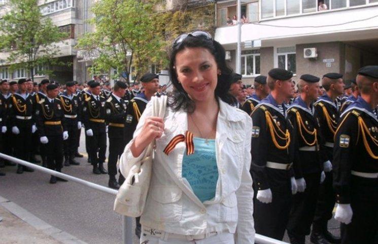 Керівник податкової інспекції Мелітополя стверджує, що її звільнили не через георгіївську стрічку