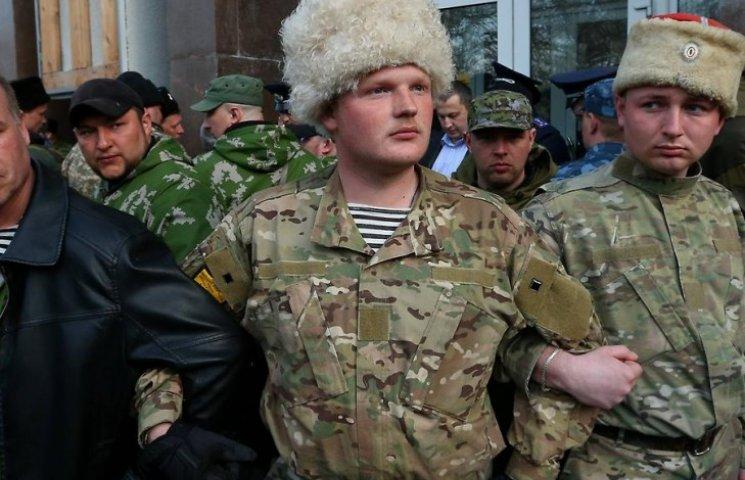Хроники оккупации Крыма: Как оккупанты праздновали и выгоняли украинцев из их домов