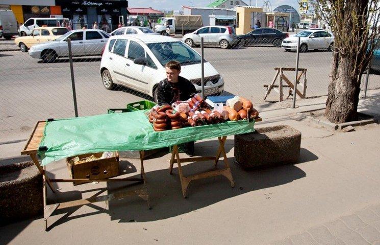 """Мер Миколаєва """"оголосив війну"""" контрафактній ковбасі"""