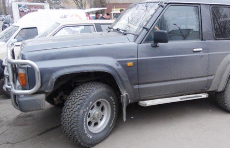 Миколаївець намагався продати позашляховик з підробними документами