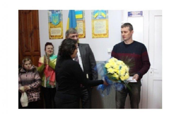 """Президент нагородив орденом """"За мужність"""" подолянина Сергія Трапезуна"""